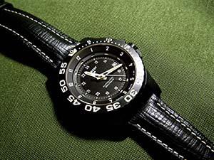 時計ベルトをモレラートのティポブライトリングクオイオに交換したtraser MIL-G AUTO PRO