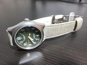 時計ベルトをモレラートのCORDURA/2に交換したカシオ ミリタリー