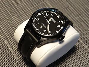 時計ベルトをモレラートのCAYMANに交換したepos ビッグパイロット