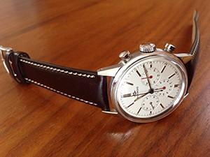 時計ベルトをモレラートのエリートに交換したモバード