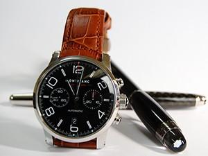 時計ベルトをモレラートのボテロに交換したモンブランタイムウォーカーパイロットクロノグラフ