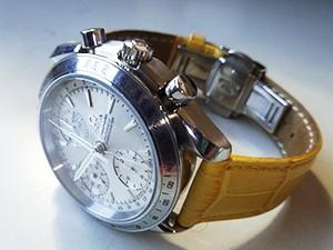 時計ベルトをモレラートのボーレに交換したオメガスピードマスター