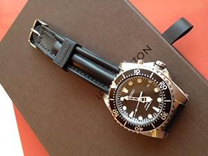 時計ベルトをモレラートのCAYMANに交換したSEIKO (SBCZ 011)