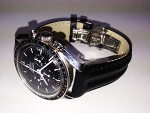 時計ベルトをモレラートのSPEEDに交換したOMEGA-Speedmaster-Professional