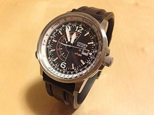時計ベルトをモレラートのマリナーに交換したシチズンナイトホーク
