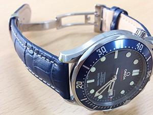 時計ベルトをモレラートのPLUSに交換したオメガ シーマスター プロフェッショナル
