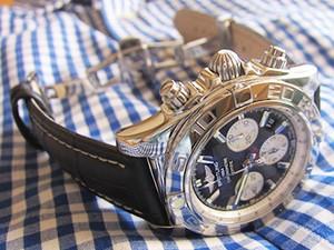 時計ベルトをモレラートのPLUSに交換したブライトリング クロノマット44