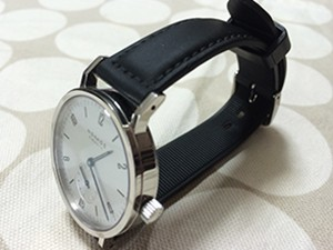 時計ベルトをモレラートのダンカンに交換したノモスタンジェントスポーツ