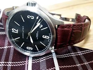 時計ベルトをモレラートのボーレに交換したハミルトンカーキアビエイション37mm
