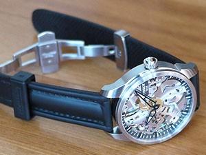 時計ベルトをモレラートのCAYMANに交換したティソT-コンプリカシオンスケレッテ
