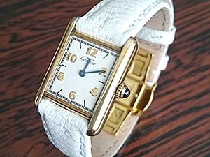 時計ベルトをモレラートのビオリノに交換したカルティエマストタンク