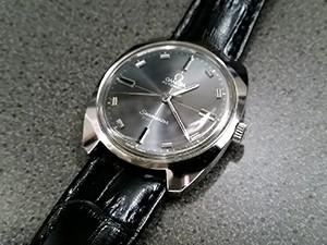 時計ベルトをモレラートのルイジアナに交換したオメガシーマスターコスミック