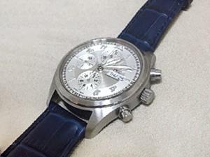 時計ベルトをモレラートのボーレに交換したIWC スピットファイア クロノグラフ