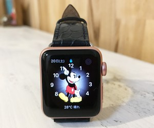 時計ベルトをLIVERPOOLに交換したアップル ウォッチスポーツシリーズ2 Apple Watch sports series2