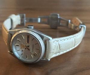 時計ベルトをBOLLEに交換したセイコーファイブ SEIKO 5
