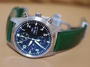 時計ベルトをモレラートのグラフィックに交換したIWCパイロットウォッチクロノ