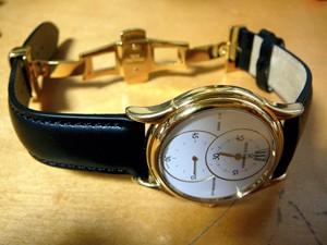 時計ベルトをモレラートのグラフィックに交換したREVUETHOMMEN SALTARELLO