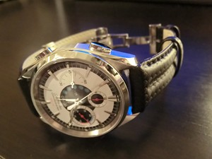 時計ベルトをモレラートのSPEEDに交換したOMEGA SEAMASTER NZL-32 START DISPLAY