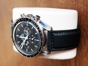 時計ベルトをモレラートのダンカンに交換したオメガスピードマスタープロフェッショナル(手巻き)
