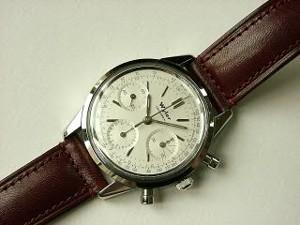 時計ベルトをモレラートのドナテロに交換したワイラークロノグラフ