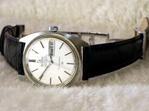 時計ベルトをモレラートのAMADEUSに交換したオメガ コンステレーション