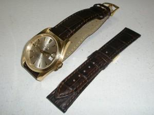 時計ベルトをモレラートのボーレに交換したオメガシーマスターアクアテラ35mm