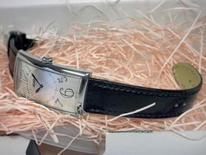 時計ベルトをモレラートのサクソーに交換したティソ・バナナウオッチ