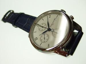 時計ベルトをモレラートのボーレに交換したSOTHIS GENIUS 1953 CHRONOGRAPH BAUHAUS