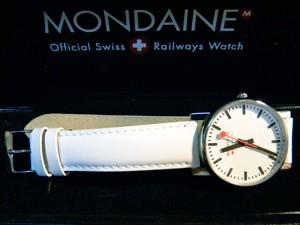 時計ベルトをモレラートのグラフィックに交換したMondaineエヴォメンズ
