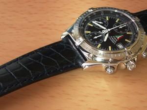 時計ベルトをモレラートのリバプールに交換したブライトリング・クロノマット