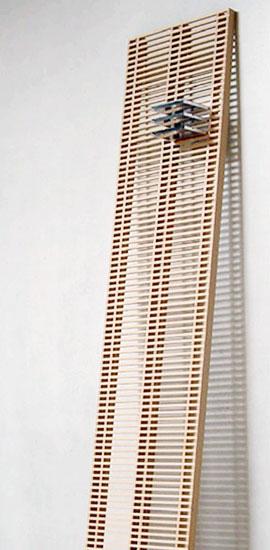 お部屋に圧迫感を与えない壁に立て掛けるだけのシンプルなスタイル。