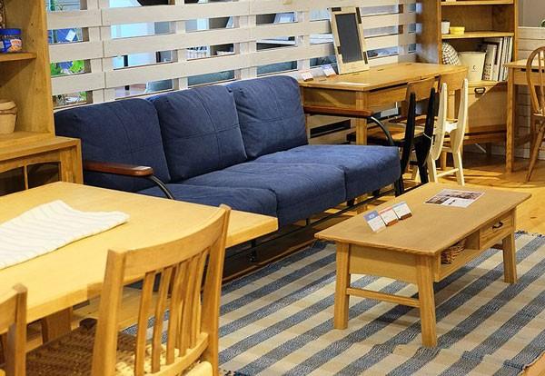 今なら送料無料、コンパクトでスタイリッシュなアイアンの肘付布張り3Pブルーソファー ブエノ 3人掛け3Pソファー アンジー ノラand g nora. 姫路家具 家具センタームラセ in 森のくに
