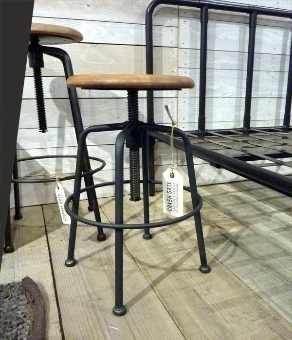 今なら送料無料!オシャレなレストランなどにありそうなアンティークでレトロな無垢材の木のカウンター用ハイスツール! コンベックスチェアー コンベックススツール カウンターハイチェアー