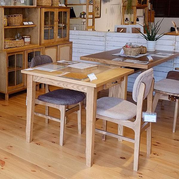 今なら送料無料!便利な引き出し付きのアッシュ材をオイルで仕上げた穏やかな雰囲気が漂う75cm幅ダイニングテーブル アンジー ファッジ 75 テーブル fudge 75 table