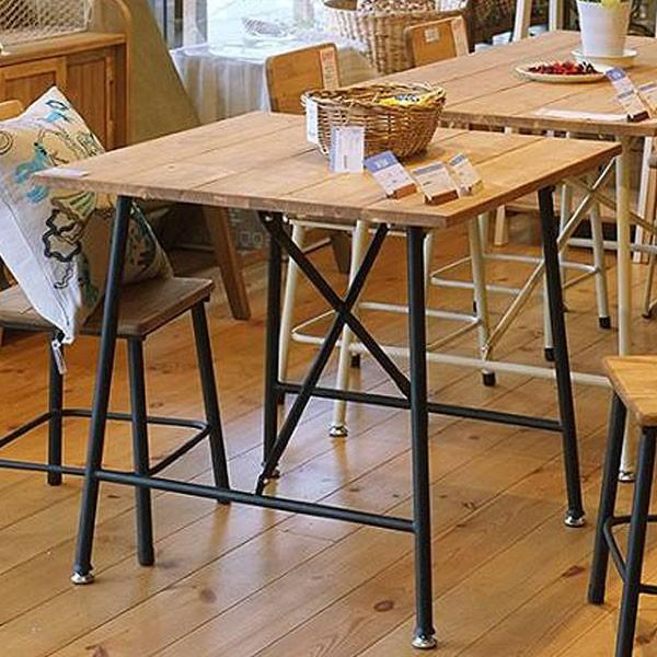 今なら送料無料!アイアン脚を使ったスッキリデザインの可愛い正方形75cm幅カントリーダイニングテーブル メイス テーブル Mace bench mam nora. 姫路家具 家具センタームラセ in 森のくに