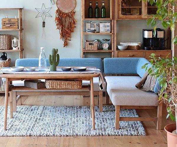 兵庫県、姫路市の手作りカントリー家具とかわいい雑貨の森のくに カフェのような雑貨テイストの可愛さ満点の布張りカバーリング仕様のL型ダイニングソファー メレ nora アンジー