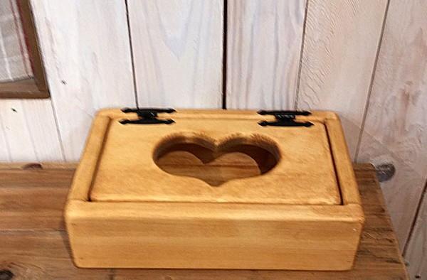 オイル仕上げの質感あるパイン材のかわいいハートのカントリー木工品 ティッシュBOX WS-105 姫路家具 家具センタームラセ 森のくに