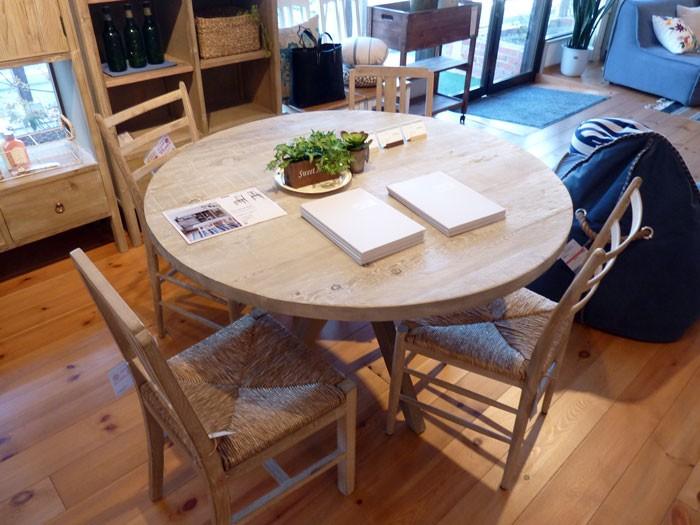 今なら送料無料!流木風のオシャレでシャビーな116cm幅杉古材の円卓テーブル ホリデイズ バウム ダイニングテーブル
