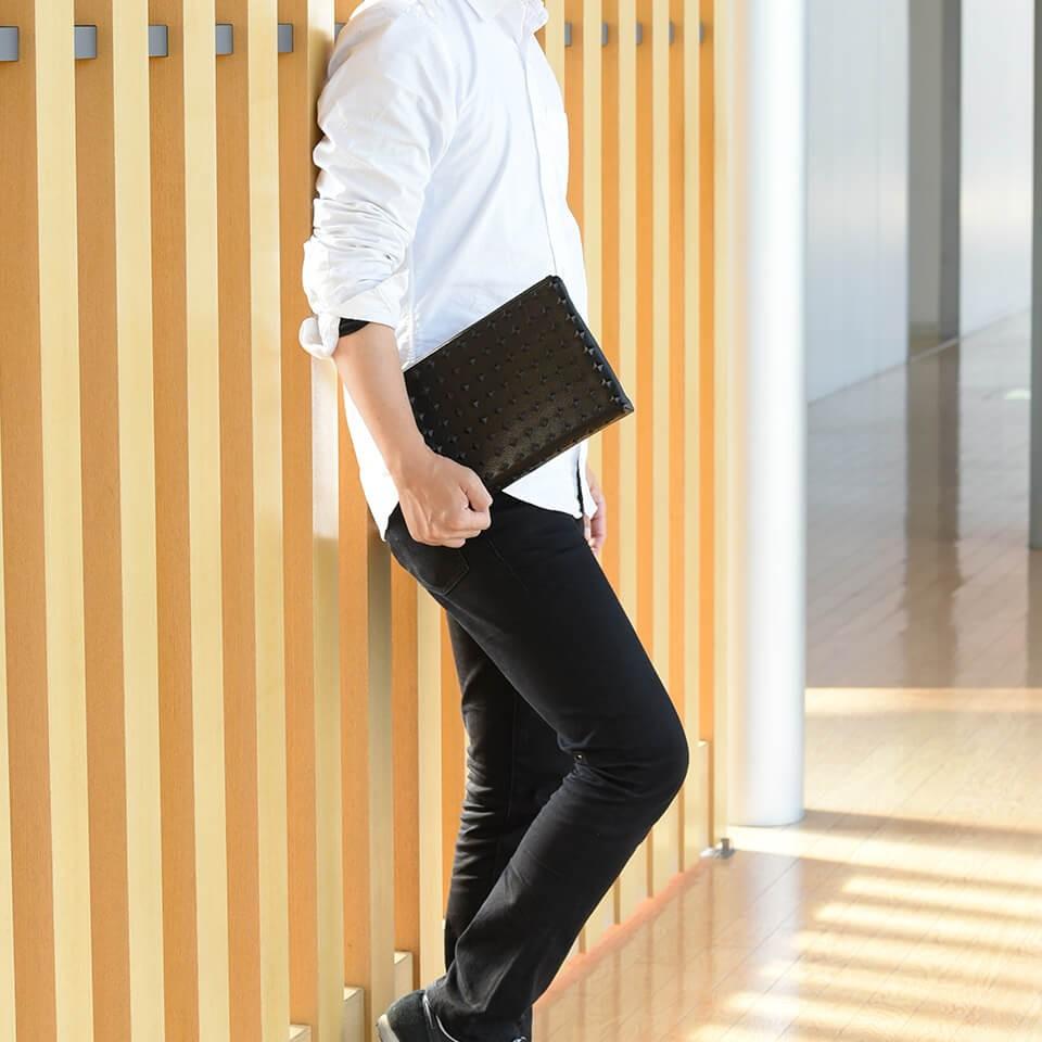 クラッチバッグ 本革 鋲 メンズ 送料無料 ブラック