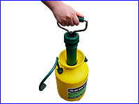 大きな薬液口で殺虫剤が注ぎやすい