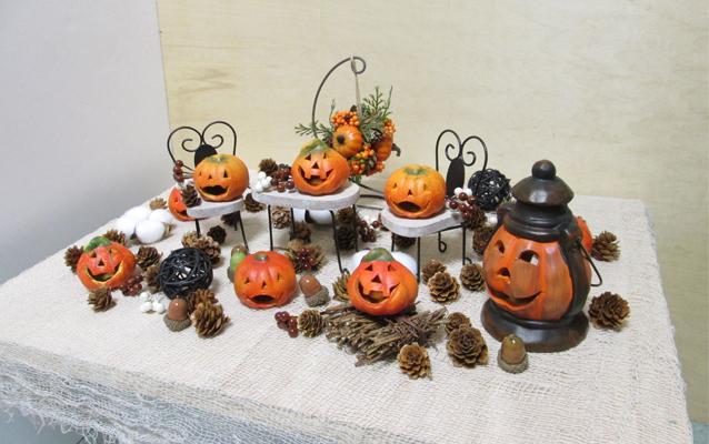 ハロウィンの小物と百均の飾り物