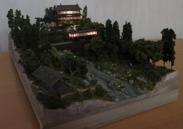 Nゲージミニジオラマ「蛍の見られる小川」LED夜景全景