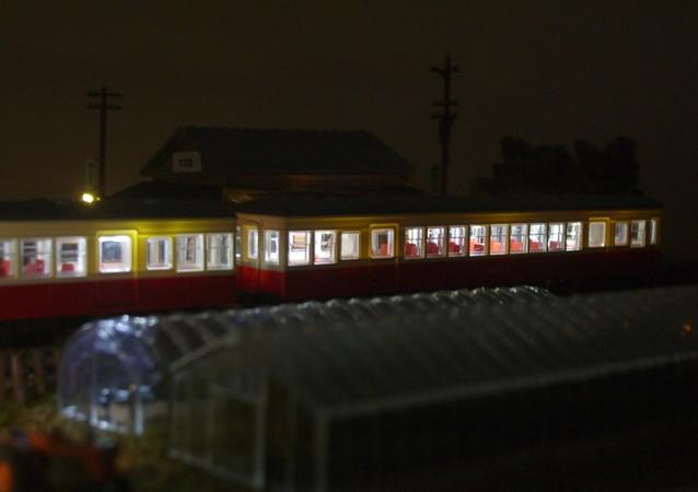 Nゲージミニジオラマ 電車とローカル駅舎