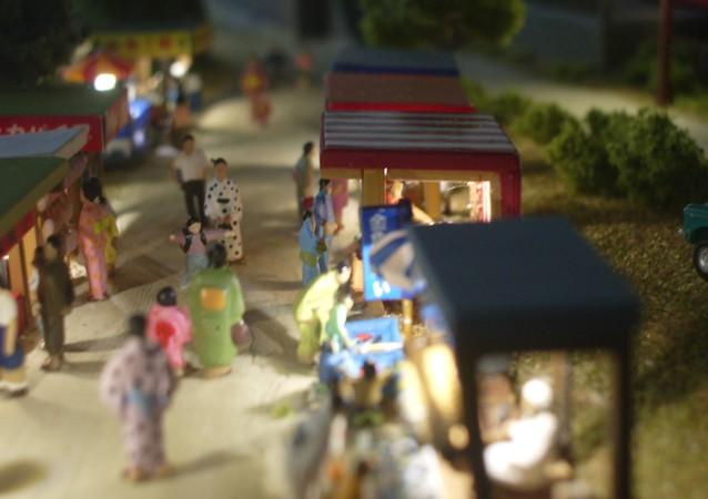 鉄道模型Nゲージミニジオラマ 露店の並ぶ様子