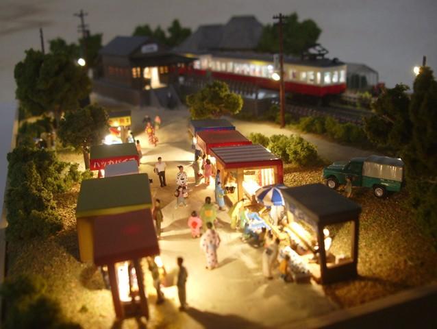Nゲージミニジオラマ「昭和の田舎の夏休み」LED夜景 露店の並ぶ眺め