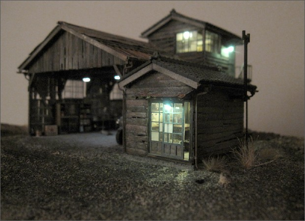 造形模型作品「トラック車庫1」