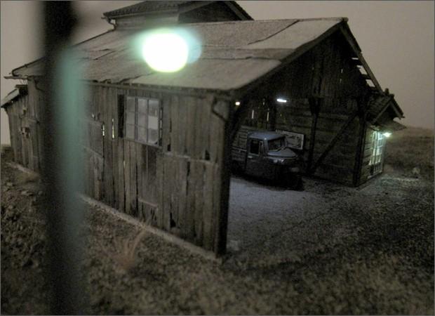 造形模型作品「トラック車庫2」