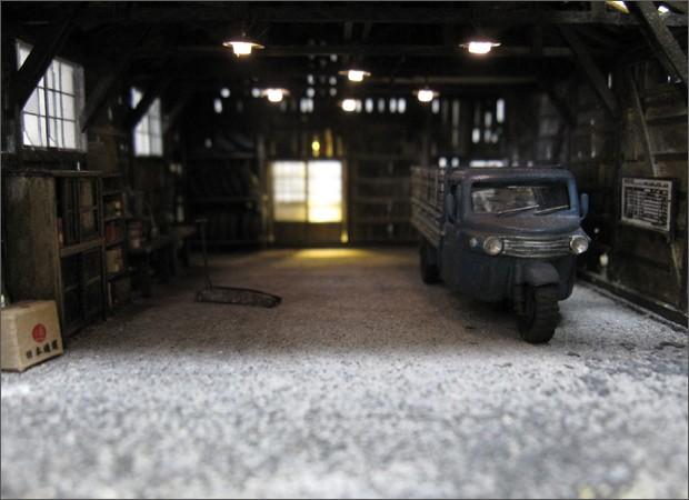 造形模型作品「トラック車庫3」