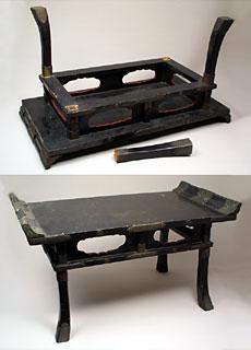 大徳寺本坊様からお直しを承った経机。写真は修復前のものです。