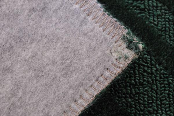 裏地は不織布貼りで防音効果もあります